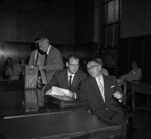 sam sheppard in courtroom